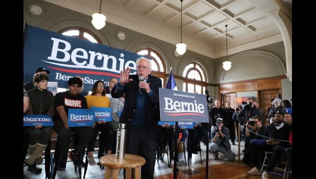 Democratic presidential candidate Bernie Sanders fires up a Sunday morning crowd in Perry. ELOISE APPLE | FOR THE JEFFERSON HERALD