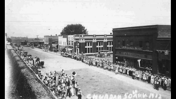 Residents celebrate Churdan's 50th anniversary in 1932.