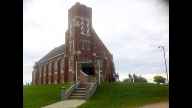 St. Patrick Catholic Church, designed by William LeBarthe Steele, featuring Romanesque Revival architecture, was added to the National Register of Historic Places in 1992.