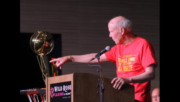 Former Kuemper Catholic basketball coach Wayne Chandlee speaks to the crowd during the Nick Nurse welcome home celebration June 30 in Jefferson. Chandlee led the Knights to their only state title back in 1985. BRANDON HURLEY | JEFFERSON HERALD