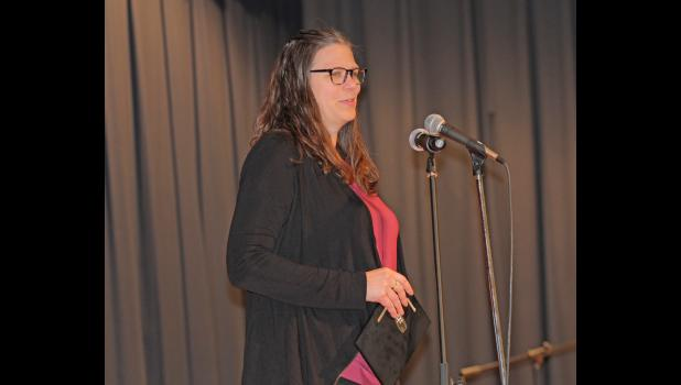 Jefferson-Scranton alumnus Trisha Waugh Pipkin addresses the crowd during her GCHS hall of fame acceptance speech Jan. 16 in Jefferson. BRANDON HURLEY | JEFFERSON HERALD